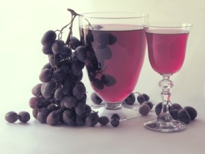 dark grapes and red wine